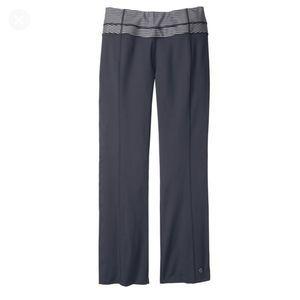 MOVING COMFORT Flow Yoga Pants Gray Stripe Small